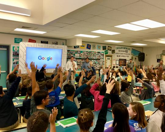 Google Computer Science Roadshow - Assemblymember Salas in Classroom with children